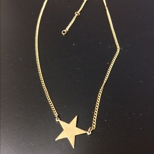 Avon vintage gold tone star necklace.